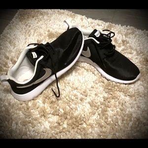 Nike Roshe youth